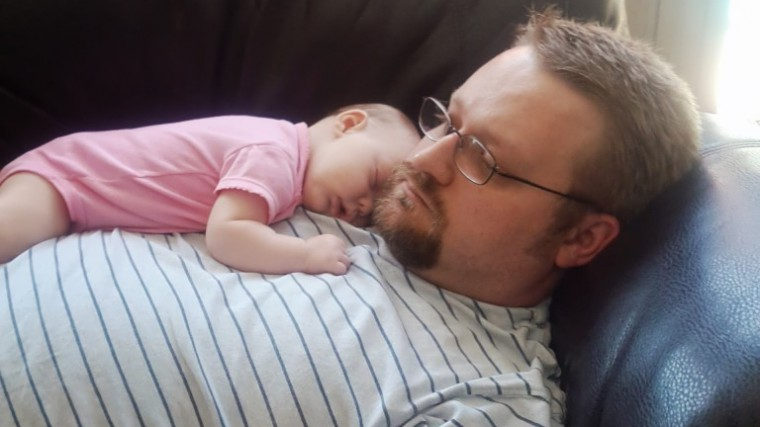 daddy-willow-nap